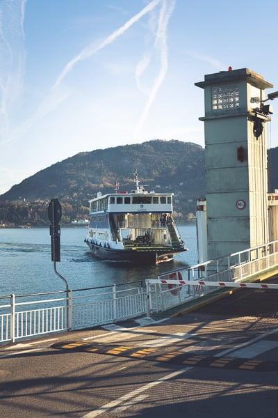 Reizen met de veerboot is gemakkelijk en goedkoop